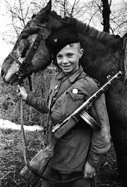 Уникальные фотографии с поля боя Великой Отечественной войны.